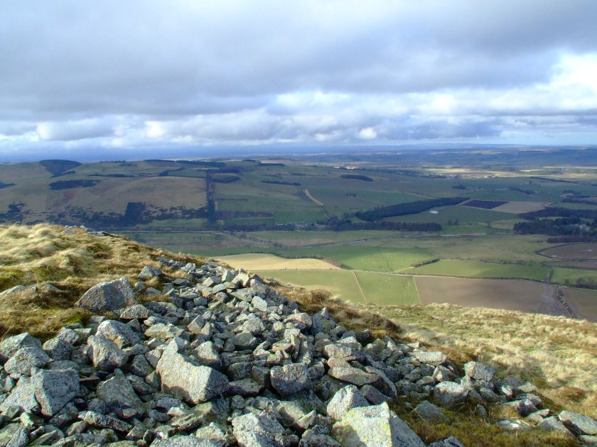 The eastern end of Ad Gefrin (the yellow field in the centre of the image), as seen from the eastern end of Yeavering Bell