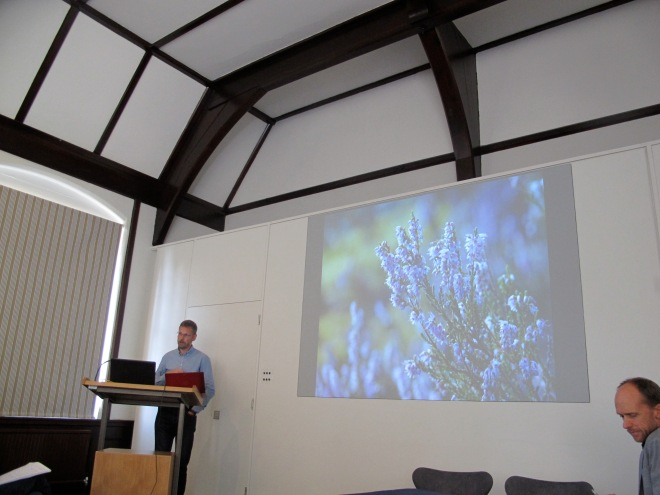 Mads Holst presenting his paper; David Fontijn chairing