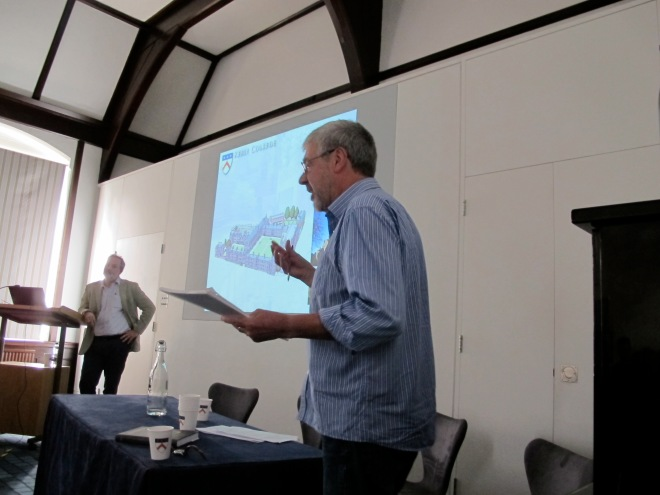 Gary Lock leading question time after Julio Escalona's paper